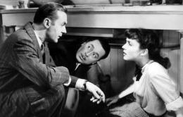 photo 8/13 - Charles Boyer, Reginald Gardiner et Jennifer Jones - La Folle ing�nue