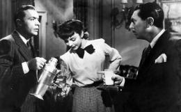 photo 11/13 - Charles Boyer, Jennifer Jones et Reginald Gardiner - La Folle ing�nue