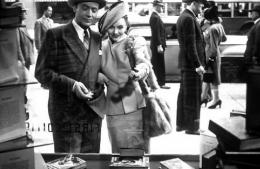 photo 5/13 - Richard Haydn et Jennifer Jones - La Folle ing�nue