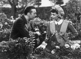 photo 9/13 - Charles Boyer et Jennifer Jones - La Folle ing�nue