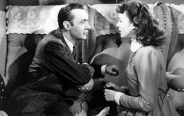 photo 7/13 - Charles Boyer et Jennifer Jones - La Folle ing�nue