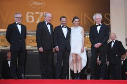 photo 65/379 - Mont�e des marches pour Deux jours, une nuit au 67�me Festival International du Film de Cannes 2014 - Marion Cotillard - © Isabelle Vautier pour CommeAuCinema.com