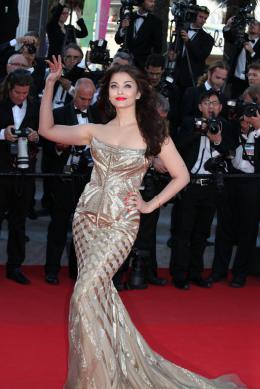 Aishwarya Rai Aishwarya Rai - Montée des marches pour Deux jours, une nuit au 67ème Festival International du Film de Cannes 2014 photo 4 sur 64