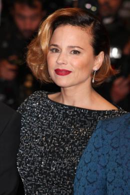 photo 31/31 - Suzanne Clément - Montée des marches pour Mommy au 67ème Festival International du Film de Cannes 2014 - Mommy - © Isabelle Vautier pour CommeAuCinema.com