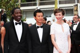 photo 7/28 - Noom Diawara, Frédéric Chau, Emilie Caen - Cannes 2014 - Qu'est-ce qu'on a fait au bon Dieu ? - © Isabelle Vautier pour CommeAuCinema.com