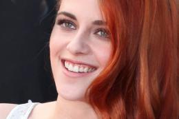 photo 44/63 - Kristen Stewart - Montée des marches pour Sils Maria au 67ème Festival International du Film de Cannes 2014 - Sils Maria - © Isabelle Vautier pour CommeAuCinema.com