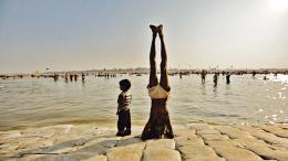 photo 2/7 - Kumbh Mela - Sur les rives du fleuve sacré - © Sophie Dulac Distribution