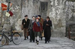 photo 3/22 - Pauline Burlet, Stéphane Debac, Matthias Van Khache - Résistance - © TF1 Vidéo