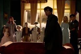 Miss Peregrine et les Enfants Particuliers Asa Butterfield photo 7 sur 36
