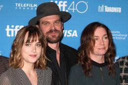 photo 47/67 - Dakota Johnson, David Harbour, Julianne Nicholson - Strictly Criminal - © Isabelle Vautier pour CommeAuCinema.com