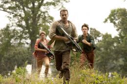photo 12/44 - Theo James, Ansel Elgort, Shailene Woodley - Divergente 2 : L'insurrection - © SND Films
