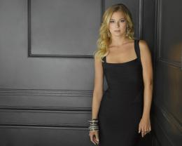 photo 6/7 - Emily VanCamp - Revenge - Saison 2 - © ABC studios