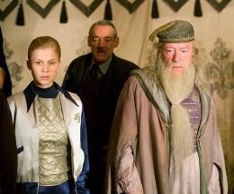 photo 80/163 - Clémence Poésy et Michael Gambon - Harry Potter et la coupe de feu