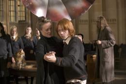 photo 93/163 - Maggie Smith et Rupert Grint - Harry Potter et la coupe de feu
