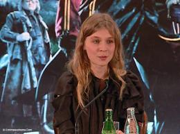 photo 17/163 - Conférence de presse Harry Potter et la coupe de feu - Clémence Poésy - Paris, novembre 2005 - Harry Potter et la coupe de feu