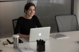 photo 30/36 - Anne Hathaway - Le Nouveau Stagiaire - © Warner Bros