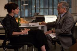 photo 31/36 - Anne Hathaway, Robert De Niro - Le Nouveau Stagiaire - © Warner Bros