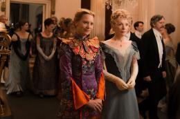 Alice de l'autre côté du miroir Mia Wasikowska, Lindsay Duncan photo 9 sur 45