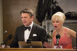 photo 20/46 - John Michael Higgins, Elizabeth Banks - Pitch Perfect 2 - © Universal Pictures International France