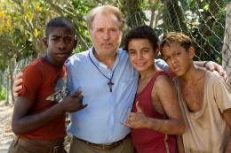 photo 17/129 - Eduardo Luis, Gabriel Weinstein, Rickson Tevez, Martin Sheen - Favelas - © Universal Pictures International France