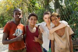 photo 15/129 - Eduardo Luis, Gabriel Weinstein, Rickson Tevez, Rooney Mara - Favelas - © Universal Pictures International France