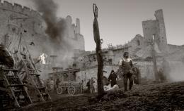 photo 9/23 - Il est difficile d'être un Dieu - © Capricci Films