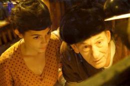 Le Fabuleux Destin d'Amélie Poulain Audrey Tautou et Serge Merlin photo 1 sur 9