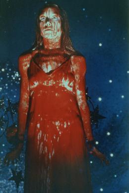 photo 21/22 - Carrie - © Splendor Films