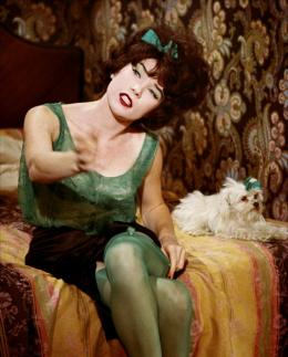 photo 3/5 - Shirley MacLaine - Irma la Douce - © Ciné Sorbonne