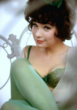 photo 4/5 - Shirley MacLaine - Irma la Douce - © Ciné Sorbonne