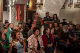 photo 9/32 - Denis Podalydes, Elie Semoun, Pierre Menès, Annie Gregorio, Carmen Maura - Un Village presque Parfait - © SND