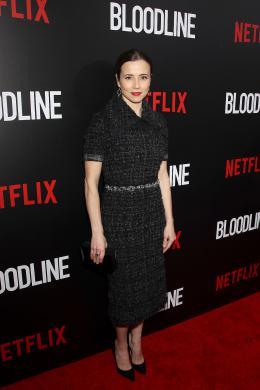 Linda Cardellini Avant-première de Bloodline photo 9 sur 33