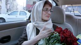 photo 3/7 - Nasrin Sodouteh - Taxi Téhéran - © Memento Films
