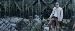 Charlie Hunnam Affiche Le Roi Arthur - La Légende d'Excalibur photo 8 sur 105