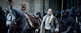 Charlie Hunnam Affiche Le Roi Arthur - La Légende d'Excalibur photo 10 sur 105