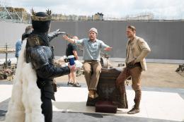 Charlie Hunnam Affiche Le Roi Arthur - La Légende d'Excalibur photo 4 sur 105