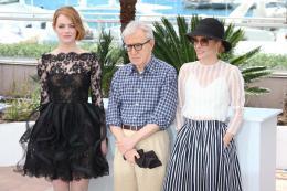 photo 37/49 - Emma Stone, Woody Allen, Parker Posey - Photocall L'Homme Irrationnel - L'Homme Irrationnel - © Isabelle Vautier pour Commeaucinema.com