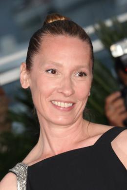 photo 36/107 - Photocall des Lauréats - Cannes 2015 - Emmanuelle Bercot - © Isabelle Vautier pour Commeaucinema.com