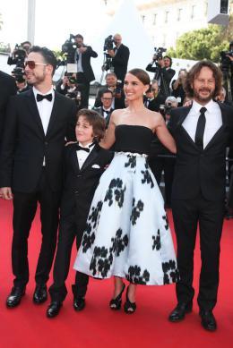 Une Histoire d'Amour et de Ténèbres Gilad Kahana, Amir Tessler, Natalie Portman, Ram Bergman - Cannes 2015 photo 2 sur 14