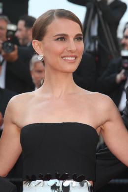 Une Histoire d'Amour et de Ténèbres Natalie Portman - Cannes 2015 photo 5 sur 14