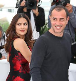 photo 44/53 - Salma Hayek, Matteo Garrone - Photocall Tale of Tales - Tale of Tales - © Isabelle Vautier pour Commeaucinema.com