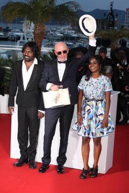 Antonythasan Jesuthasan Cannes 2015 - Photocall des Lauréats photo 5 sur 13