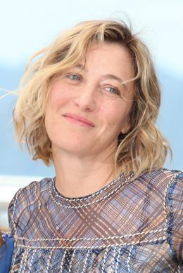 photo 17/24 - Valeria Bruni Tedeschi - Cannes 2015 - Asphalte - © Isabelle Vautier pour Commeaucinema.com