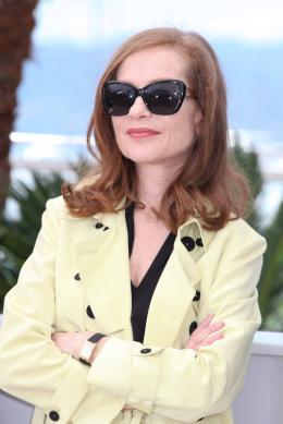 photo 19/24 - Isabelle Huppert - Cannes 2015 - Asphalte - © Isabelle Vautier pour Commeaucinema.com