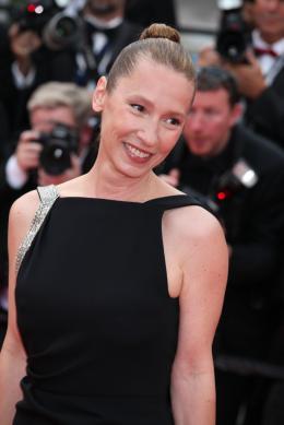 photo 29/107 - Tapis de Côture - Cannes 2015 - Emmanuelle Bercot - © Isabelle Vautier pour Commeaucinema.com
