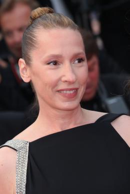 photo 34/107 - Tapis de Côture - Cannes 2015 - Emmanuelle Bercot - © Isabelle Vautier pour Commeaucinema.com