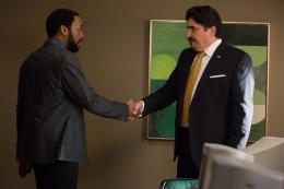 photo 76/139 - Chiwetel Ejiofor, Alfred Molina - Aux Yeux de Tous - © Universal Pictures International