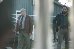 photo 89/139 - Dean Norris, Chiwetel Ejiofor - Aux Yeux de Tous - © Universal Pictures International