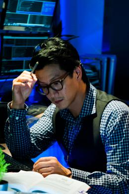 photo 19/22 - Will Yun Lee - Lost For Words - © Chapeau Melon Distribution