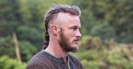 photo 3/12 - Travis Fimmel - Vikings - Saison 1 - © � MGM Television
